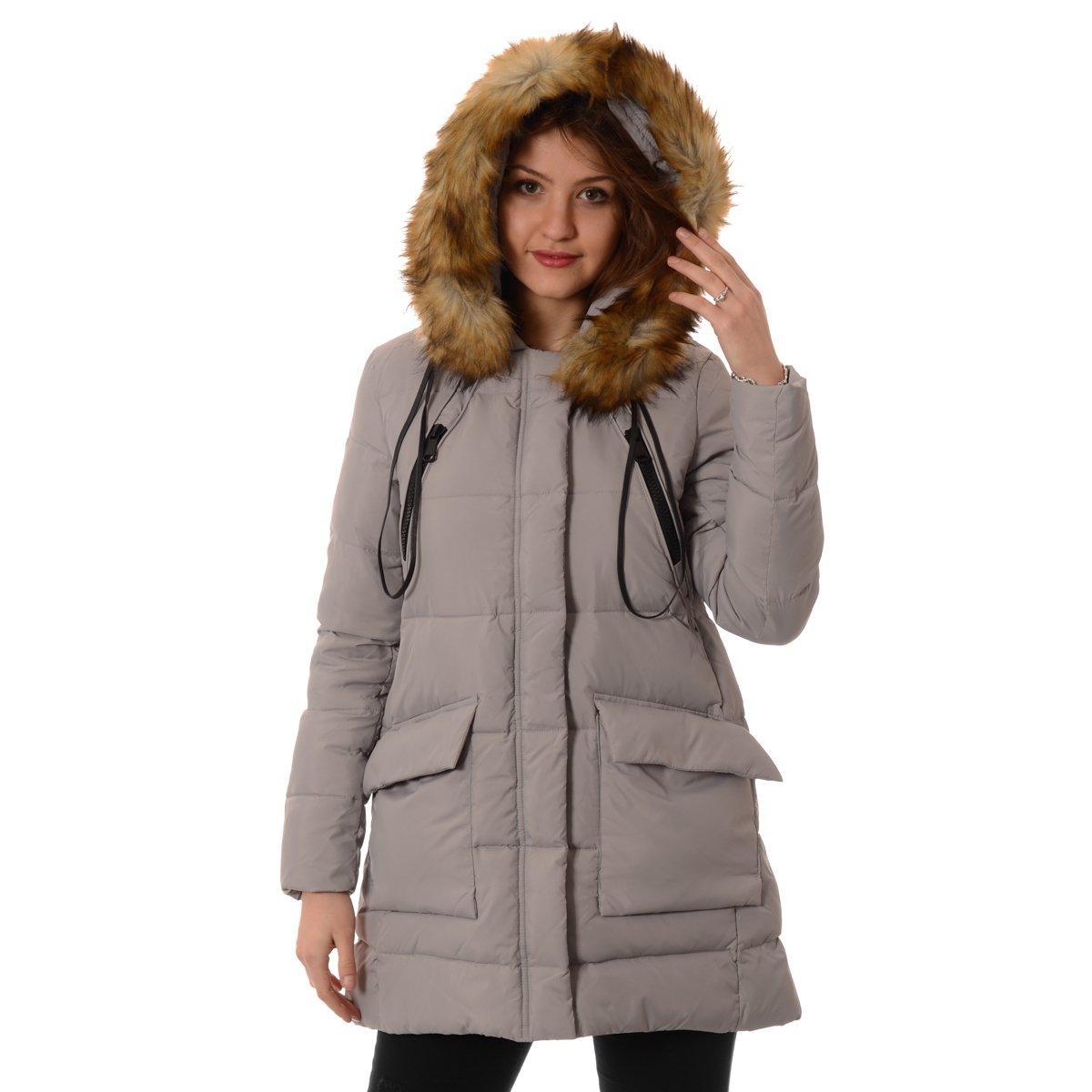 Skórzana kurtka damska stanowi uniwersalny element, który znakomicie pasuje do wielu stylizacji i jest świetną alternatywą dla damskiego płaszcza. Można ją założyć do zwiewnej, letniej sukienki, na spotkanie biznesowe, a nawet uroczyste przyjęcie.