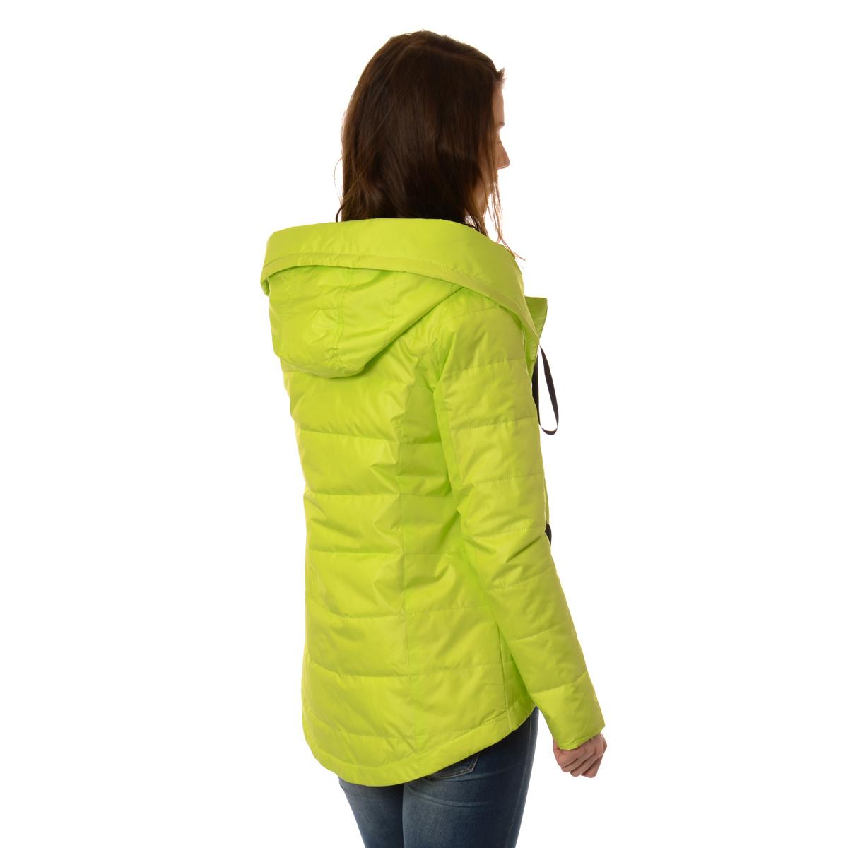 Softshell to idealna kurtka, sprawdzająca się niemal w każdych warunkach. Doskonale zda egzamin zarówno na górskich szlakach, jak i w miejskiej przestrzeni.